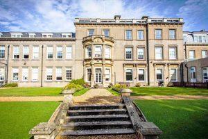 Trường liên cấp quốc tế Bournemouth Collegiate School nổi tiếng hàng đầu tại Anh.